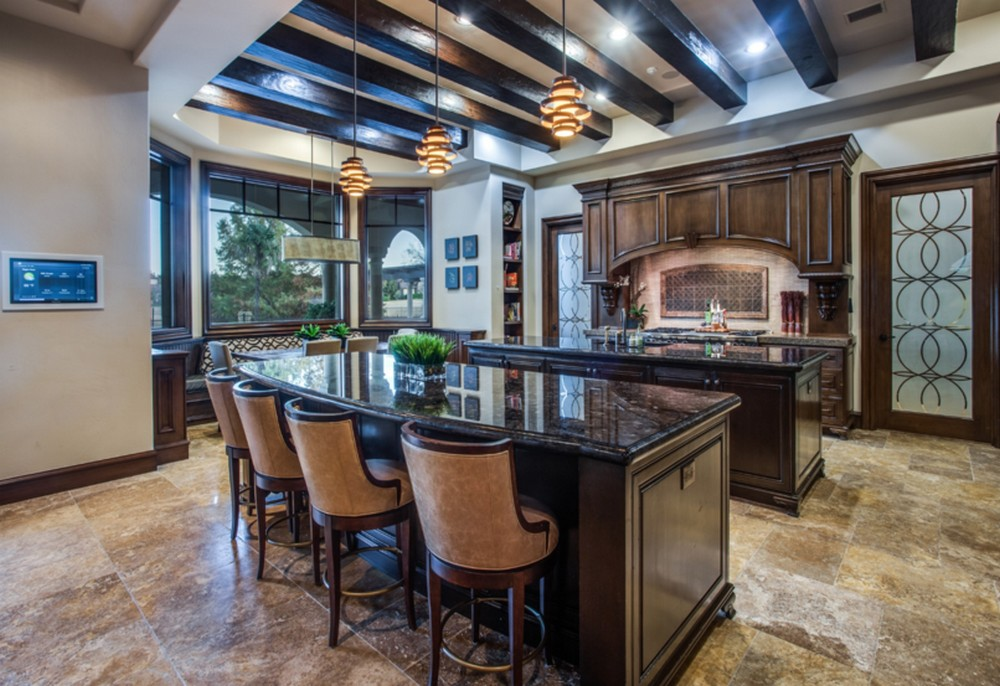 Former New York Yankee Lists Mediterranean Inspired Villa in Texas Former New York Yankee Lists Mediterranean Inspired Villa in Texas 4