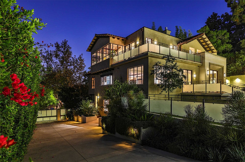 Buy Rihanna's Hollywood Hills Home Buy Rihannas Hollywood Hills Home 1