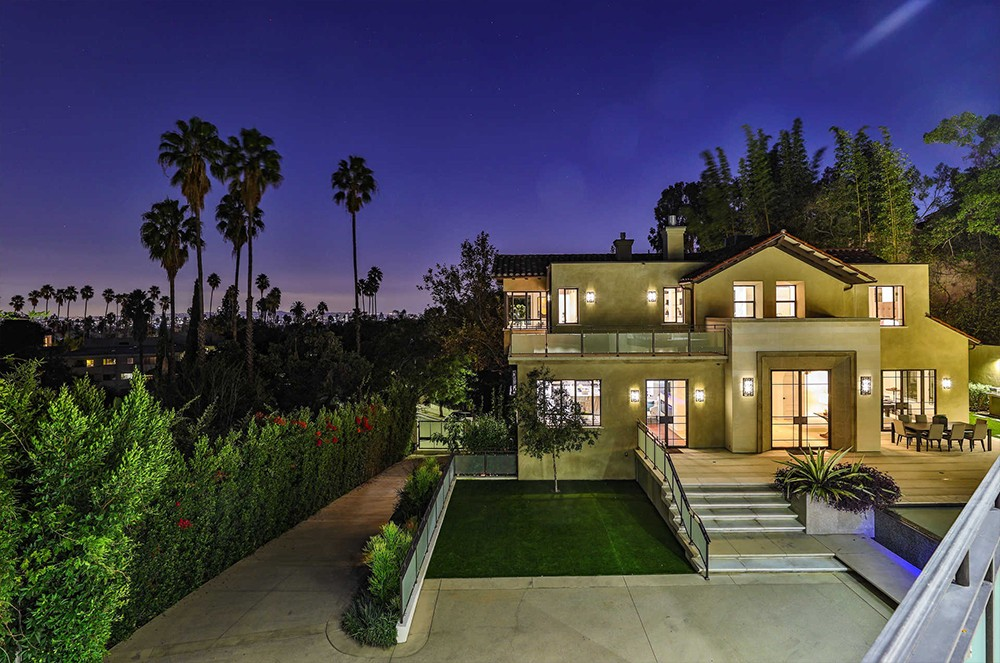Buy Rihanna's Hollywood Hills Home Buy Rihannas Hollywood Hills Home 2