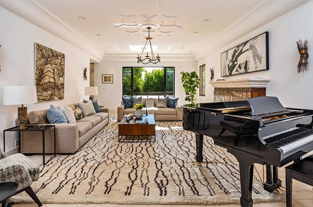 Buy Rihanna's Hollywood Hills Home Buy Rihannas Hollywood Hills Home 5