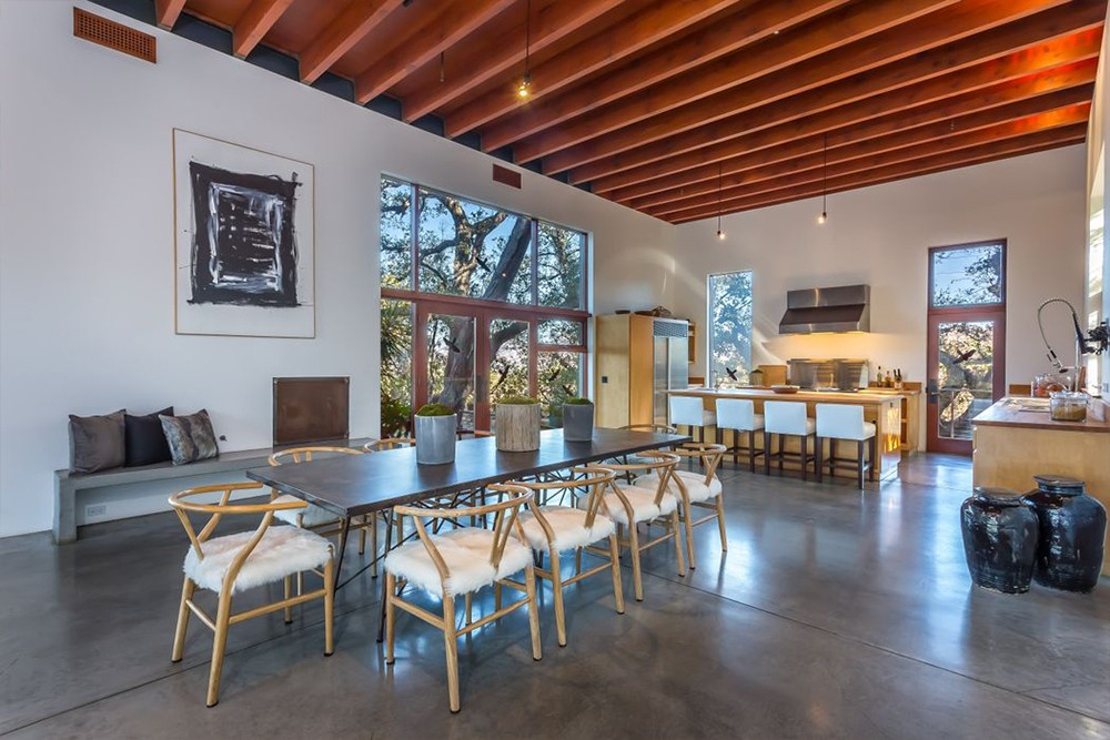 Kathryn Bigelow Lists Modern Mansion in Beverly Hills (1)  Kathryn Bigelow Lists Modern Mansion in Beverly Hills Kathryn Bigelow Lists Modern Mansion in Beverly Hills 1