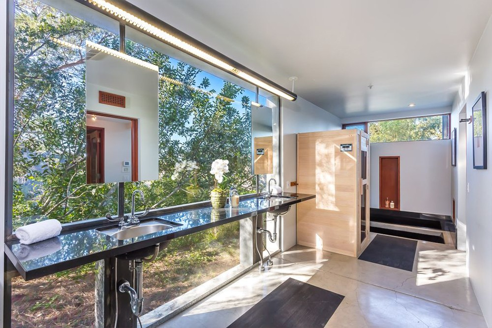 Kathryn Bigelow Lists Modern Mansion in Beverly Hills (1)  Kathryn Bigelow Lists Modern Mansion in Beverly Hills Kathryn Bigelow Lists Modern Mansion in Beverly Hills 10
