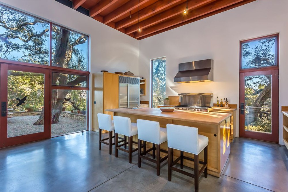 Kathryn Bigelow Lists Modern Mansion in Beverly Hills (1)  Kathryn Bigelow Lists Modern Mansion in Beverly Hills Kathryn Bigelow Lists Modern Mansion in Beverly Hills 2