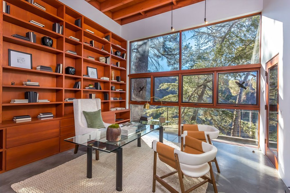 Kathryn Bigelow Lists Modern Mansion in Beverly Hills (1)  Kathryn Bigelow Lists Modern Mansion in Beverly Hills Kathryn Bigelow Lists Modern Mansion in Beverly Hills 3