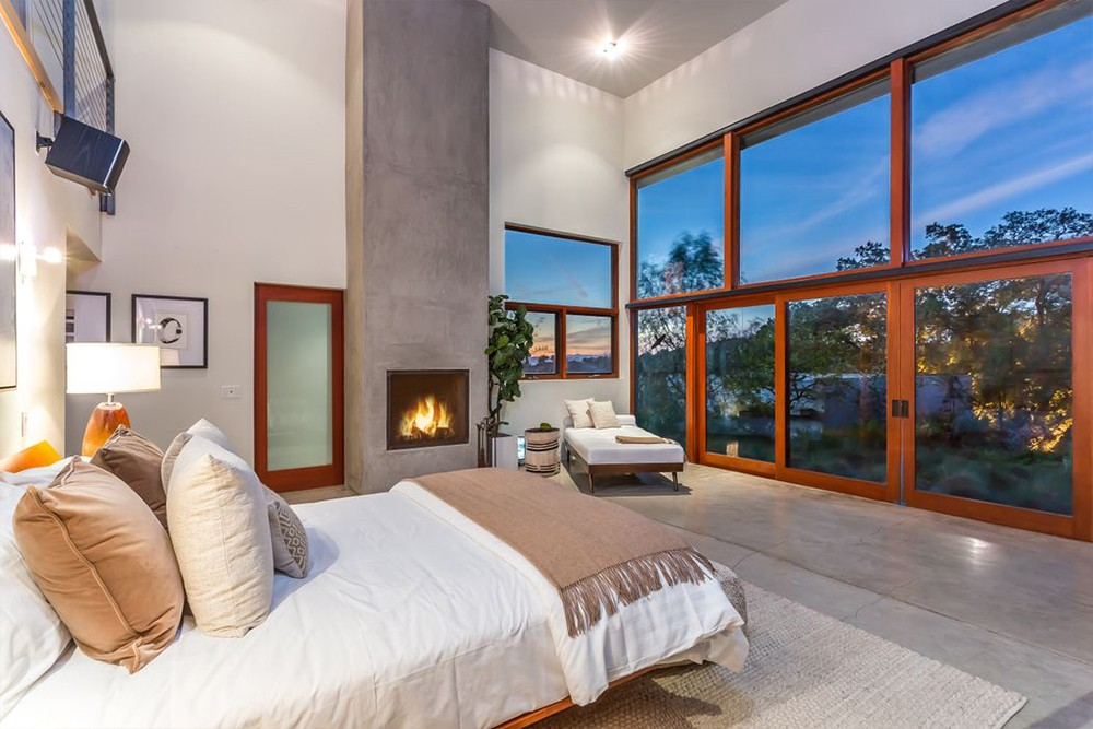 Kathryn Bigelow Lists Modern Mansion in Beverly Hills (1)  Kathryn Bigelow Lists Modern Mansion in Beverly Hills Kathryn Bigelow Lists Modern Mansion in Beverly Hills 8