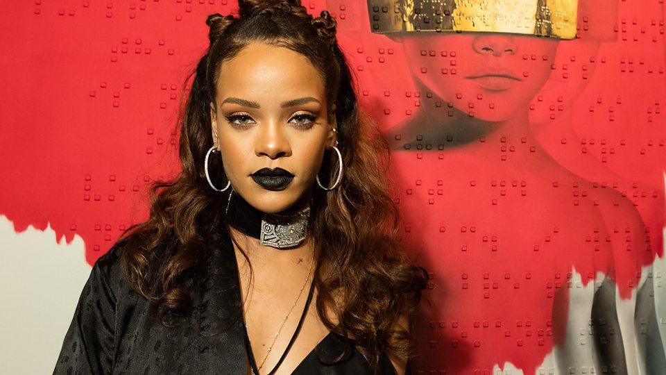 Buy Rihanna's Hollywood Hills Home p03jg3g8