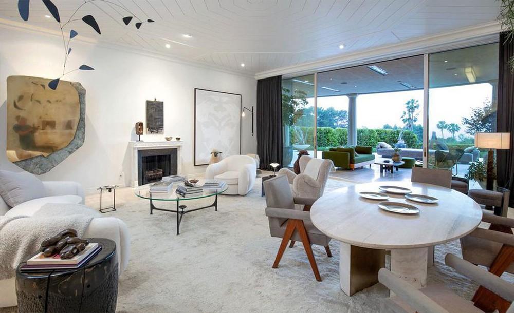ellen degeneres Ellen DeGeneres and Portia de Rossi sold aBeverly Hills Mansion Ellen DeGeneres and Portia de Rossi sold a Beverly Hills Mansion 2