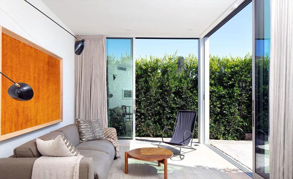 ellen degeneres Ellen DeGeneres and Portia de Rossi sold aBeverly Hills Mansion Ellen DeGeneres and Portia de Rossi sold a Beverly Hills Mansion 5