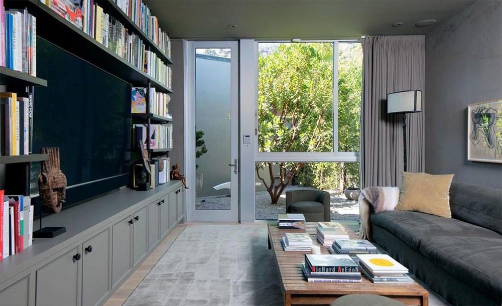 ellen degeneres Ellen DeGeneres and Portia de Rossi sold aBeverly Hills Mansion Ellen DeGeneres and Portia de Rossi sold a Beverly Hills Mansion 6