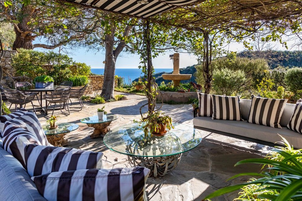 mel gibson Mel Gibson's Ocean and Mountains View Home in Malibu Mel Gibsons Ocean and Mountains View Home in Malibu 8