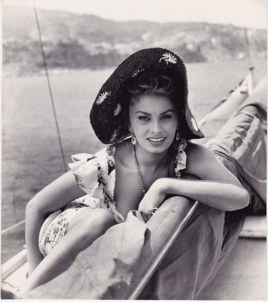 celebrity in superyachts Celebrity in Superyachts: Grace Kelly, Brigitte Bardot and More! Celebrity in Superyachts Grace Kelly Brigitte Bardot and More 4