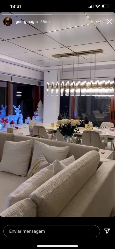 Georgina Rodríguez Shows Home Interiors and Christmas Decoration georgina rodríguez Georgina Rodríguez Shows Home Interiors and Christmas Decoration aa8d5093 d46e 46dc aa47 f2d18c03ab02 scaled