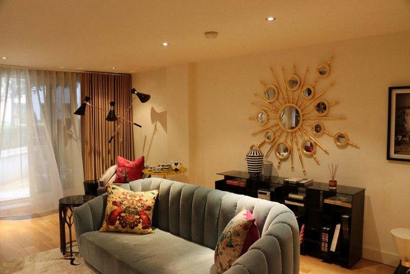 private show flat in london Private Show Flat in London: Get this Luxurious Living Room Private Show Flat in London Get this Luxurious Living Room 5